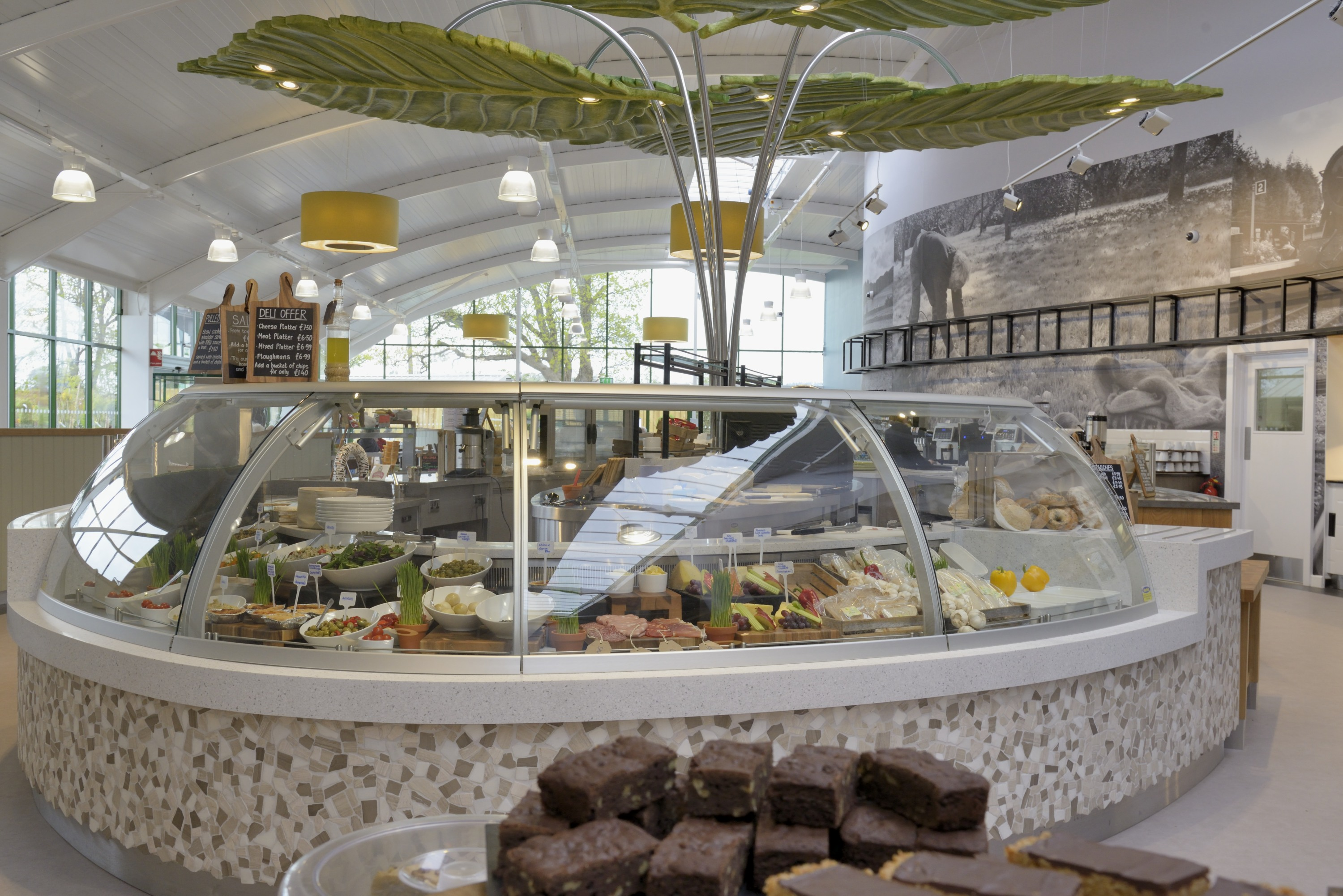 Garden centre update monkton elm opens elm tree restaurant for Garden centre